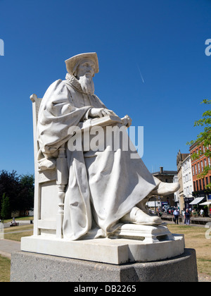 Richard Hooker statue in cathedral close, Exeter Devon England. - Stock Image