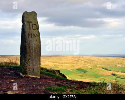 Stone path marker TD near Lion Inn pub public house Blakey Ridge, Kirkbymoorside North Yorkshire Moors England United - Stock Image