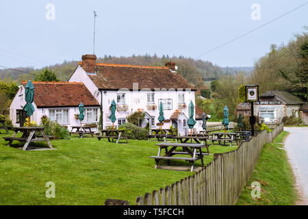 The Royal Oak 16th century haunted country pub with beer garden at Hooksway in South Downs National Park. Chilgrove, West Sussex, England, UK, Britain - Stock Image