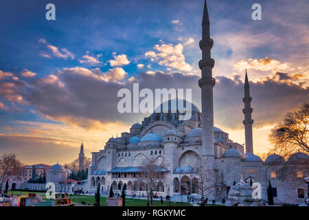 Suleymaniye Mosque at sunset in Fatih, Istanbul, Turkey - Stock Image