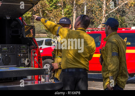 Los Angeles, California, USA. 9th Nov, 2018. Los Angeles Fire Department command post at the Griffith Park brush fire near the Los Angeles Zoo. Credit: Chester Brown/Alamy Live News - Stock Image