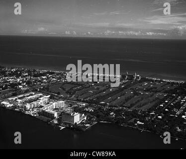 Aerial view of the famous Breakers Hotel, and its golf course, Palm Beach, Florida in the 1940s - Stock Image