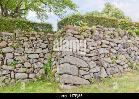 Stone wall of main bailey (Honmaru) of Tanabe castle, Japan - Stock Image