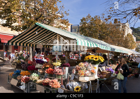 France, French Reviera, Nice, Cours de Saleya, market stalls - Stock Image