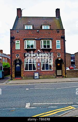 The Shoes Pub, Gilesgate, Durham, england - Stock Image