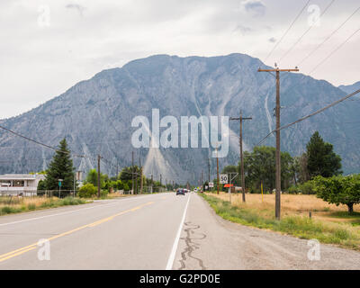 View of K Mountain on Highway 3A approaching Keremeos, in the Okanagan area of BC, Canada. - Stock Image