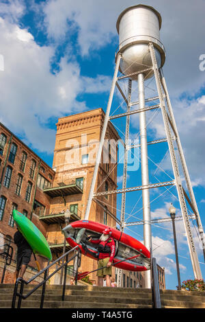 Riverfront activity along the Chattahoochee River in Uptown Columbus, Georgia during the Paddle South Kayak Competition & Festival. (USA) - Stock Image