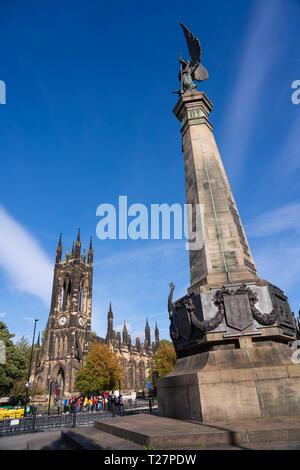 Newcastle-upon-Tyne, NE England city. Haymarket area. St Thomas Martyr, historic church with Boer War memorial. - Stock Image