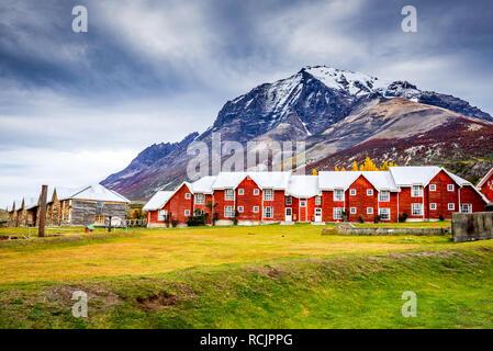 Patagonia, Chile - Torres del Paine massif and Monte Almirante Nieto, Magelanes Region, South America. - Stock Image