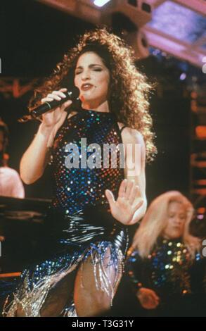 GLORIA ESTAFAN Cuban-American singer about 1985 - Stock Image