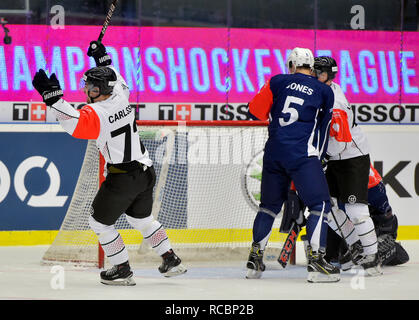 Patrik Carlsson (Frolunda; left) celebrates a goal during the return match of ice hockey Champions League play off semifinal HC Skoda Plzen vs Frolunda Indians, on January 15, 2018, in Pilsen, Czech Republic. (CTK Photo/Miroslav Chaloupka) - Stock Image