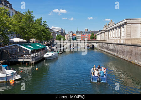 Goboat electric picnic boats in Frederikholm Canal towards the historic Marble Bridge, Marmorbroen, entrance to the Riding Ground at Christiansborg - Stock Image