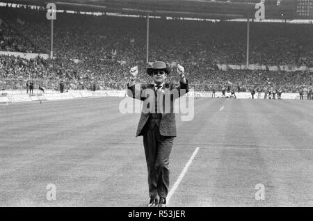 1984 FA Cup Final at Wembley Stadium. Watford chairman Elton John pictured before kick off. Final score Everton 2 v Watford FC 0. 19th May 1984. - Stock Image