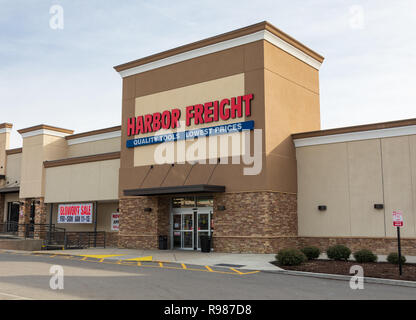 HICKORY, NC, USA-12-19-18: A local Harbor Freight store, discount retailer of tools and equipment.  The over-800 store chain is headquartered in Calab - Stock Image