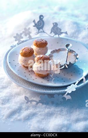 Iced Macaroon with Vanilla Cream - Stock Image