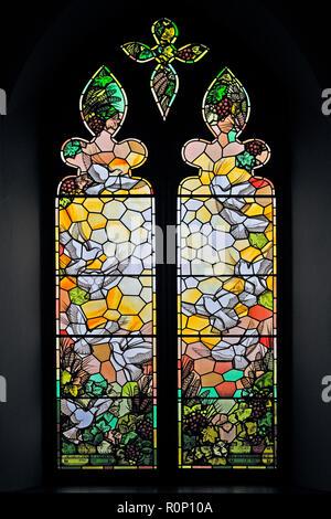 'The Nativity'. Lady Chapel, South window, by Geoffrey Clarke. Christ Church, Thornton-le-Fylde, Lancashire, England, United Kingdom, Europe. - Stock Image