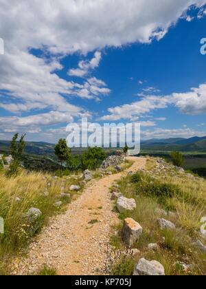 Country-road near Prolosko blato in Croatia - Stock Image