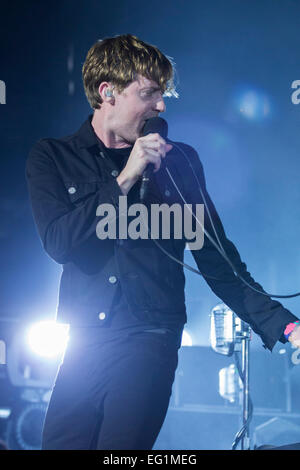 London, UK, 13th Feb 2015. Ricky Wilson lead singer of Kaiser Chiefs, Live Performance at o2 Arena. Credit:  Robert - Stock Image