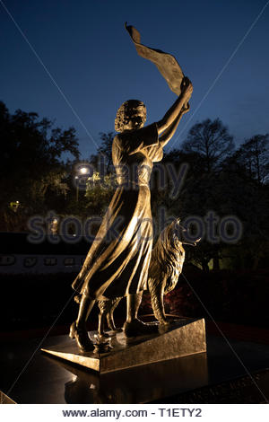 The Waving Girl statue, Florence Martus, Morrell Park, Savannah, Georgia - Stock Image