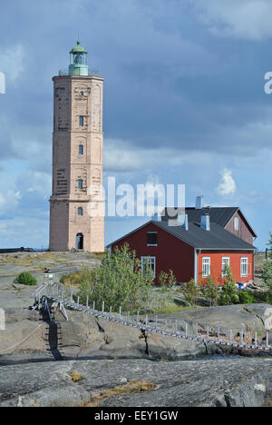 Hanging bridge and the house of lighthouse keeper in Söderskär - Stock Image