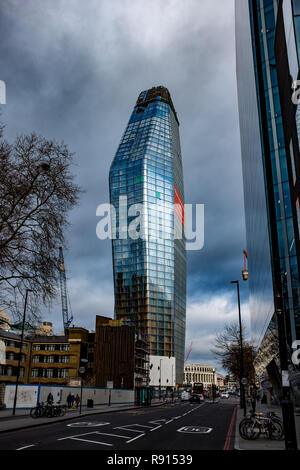 Residential construction in London: A view of a new apartment building called One Blackfriars in London. The 52-story building will also have a hotel - Stock Image