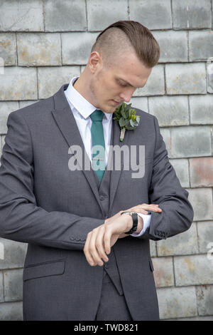 Groom prepares for his Wedding day, Jennycliff, Plymouth, Devon, UK - Stock Image