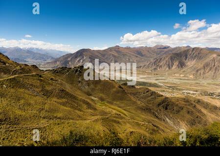 Tibet, das Kyi Chu Tal am Kloster Ganden - Stock Image