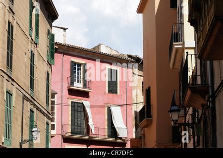 Gebäude in der Altstadt von Palma, Mallorca, Spanien.   Buildings in the old town of Palma, Majorca, Spain. - Stock Image