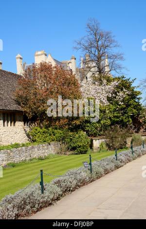 Christchurch War Memorial Garden, Christchurch College, Oxford University, Oxford, Oxfordshire, UK - Stock Image