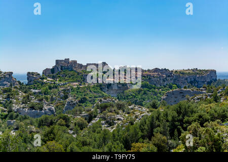 Landscape with rocks of Alpilles mountains in Provence, South of France in summer - Stock Image