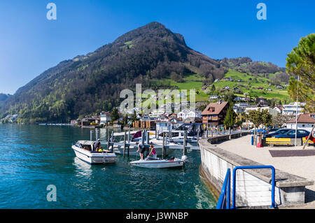 View of Rigi mountain from the village of Gersau, situated on the shore of Lake Lucerne (Vierwaldstättersee) - Stock Image