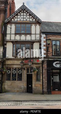 The Royal Oak pub on the High Street Wrexham June 2018 - Stock Image