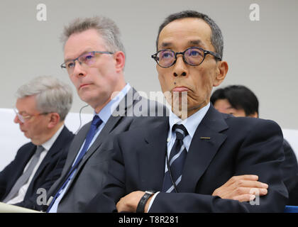 Yokohama, Japan. 14th May, 2019. Japan's automobile giant Nissan Motor new COO Yasuhiro Yamauchi (R) and vice COO Christian Vandenhende (L) from Renault attend a press conference to announce the company's financial result ended March 31 at the Nissan headquarters in Yokohama, suburban Tokyo on Tuesday, May 14, 2019. Nissan posted operating profit of 318.2 billion yen and net revenues of 11.57 trillion yen for the fiscal year 2018. Credit: Yoshio Tsunoda/AFLO/Alamy Live News - Stock Image