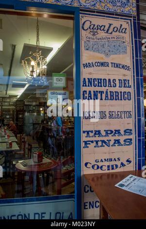 Traditional tapas bar in Malaga - Stock Image