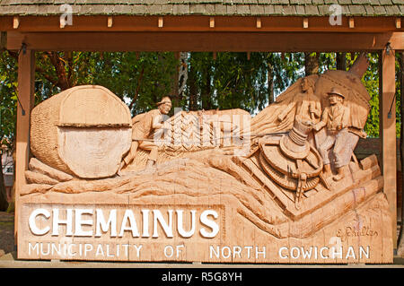 The entrance to the Chemainus Municipal Park in the centr of the town. - Stock Image