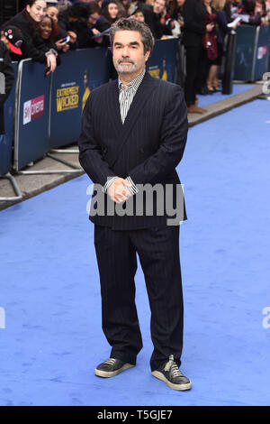 London, UK. 24th Apr, 2019. LONDON, UK. April 24, 2019: Joel Berlinger arriving for the 'Extremely Wicked, Shockingly Evil And Vile' premiere at the Curzon Mayfair, London. Picture: Steve Vas/Featureflash Credit: Paul Smith/Alamy Live News - Stock Image