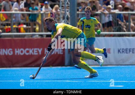 Krefeld, Germany, June 16 2019, hockey, men, FIH Pro League, Germany vs. Australia:  Tom Craig (Australia) drives the ball. - Stock Image