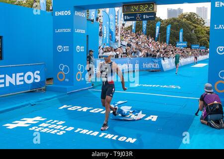 Yokohama, Japan. 18th May, 2019. 2019 ITU World Triathlon, World Paratriathlon Yokohama at Yamashita Park and Minato Mirai, Yokohama. Luis (Photos by Michael Steinebach/AFLO) Credit: Aflo Co. Ltd./Alamy Live News - Stock Image
