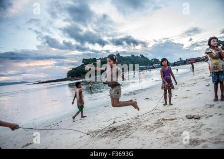 Beach scene at San Hlan beach, near Dawei, Myanmar. - Stock Image