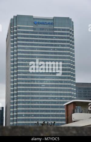 Exterior Barclays Bank Headquarters, Canary Wharf, London - Stock Image