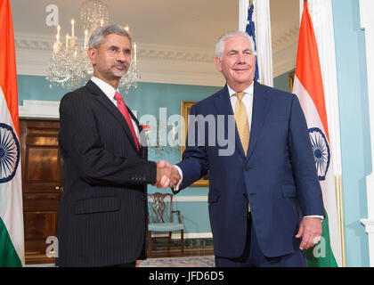 U.S. Secretary of State Rex Tillerson poses for a photo with Indian Foreign Secretary Subrahmanyam Jaishankar before - Stock Image