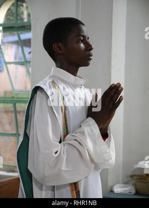 TANZANIA  -  Sean Sprague photo 2018  Transfiguration Catholic church, Mabatini, Mwanza. Holy mass lead by Frs Lam Hua and John Eybel. - Stock Image