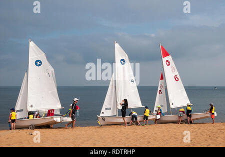 Summer holiday sailing lessons for children at Mt Eliza on Port Phillip Bay, Melbourne, Australia - Stock Image