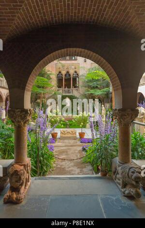 Atrium of Fenway Court, Garden Courtyard, Isabella Stewart Gardner Museum, Boston, Mass, Massachusetts, North America, US, USA - Stock Image