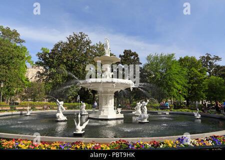 Savannah, Georgia. Fountain in Forsyth Park. - Stock Image