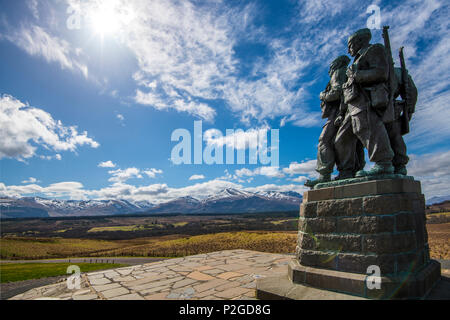 The Commando Memorial at Spean Bridge in the Highlands of Scotland. The statue of these brave men who fought in World War II faces the Ben Nevis range - Stock Image