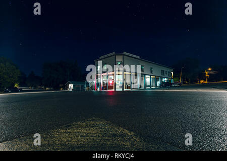 Night view of the Julian Market in the historic small town of Julian in California. - Stock Image