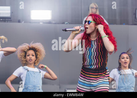 London, UK, 28 June 2015. Katy B Live Performance at Wireless Festival, Finsbury Park  Credit:  Robert Stainforth/Alamy - Stock Image