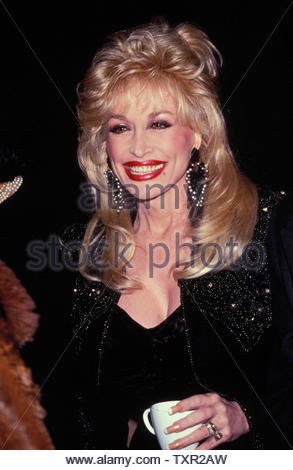 Dolly Parton At The Premiere And Party For Shining Through, Ziegfeld Theatre And The Royalton, New York City 01-27-1992. Credit: 3769266Globe Photos/MediaPunch - Stock Image