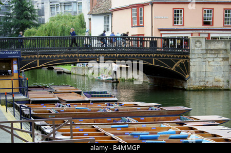 Magdalene Bridge Over the River Cam and Magdalene Street, Cambridge, UK - Stock Image